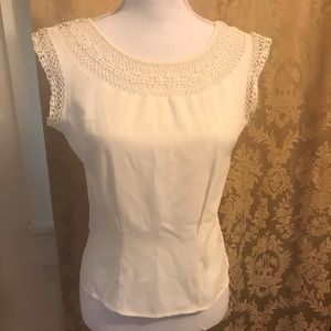 Fitted vintage white blouse